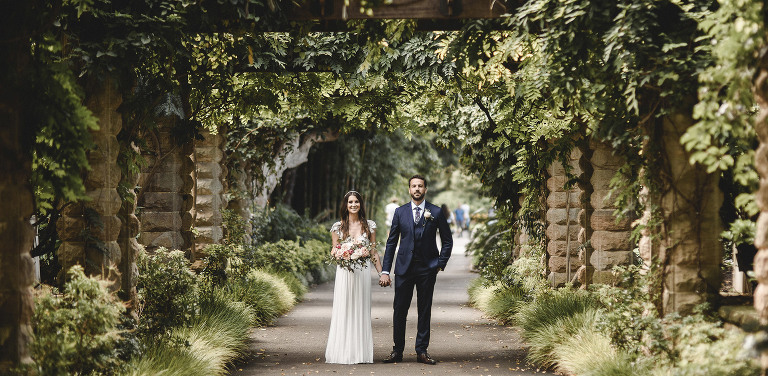 Maree & Stephen got hitched on a summer day in the Royal Botanic Gardens, Sydney